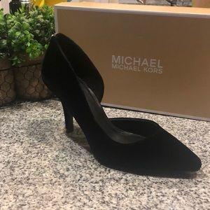 NEW! MICHAEL KORS Velvet Pump